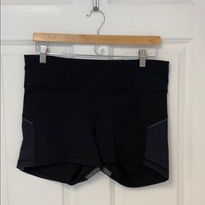 Lululemon exercise shorts sz 12